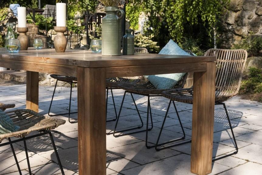 Stół tarasowy – najlepsze modele do Twojego ogrodu