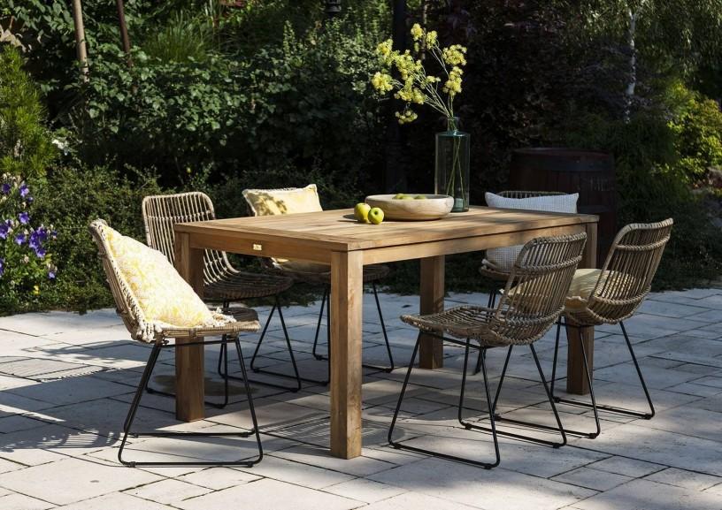 Meble ogrodowe z drewna egzotycznego – rajski ogród tuż za progiem Twojego domu